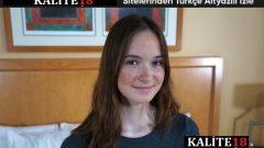 Üniversiteli Ellie 18 yaşında kendisini keşfetmek istiyor